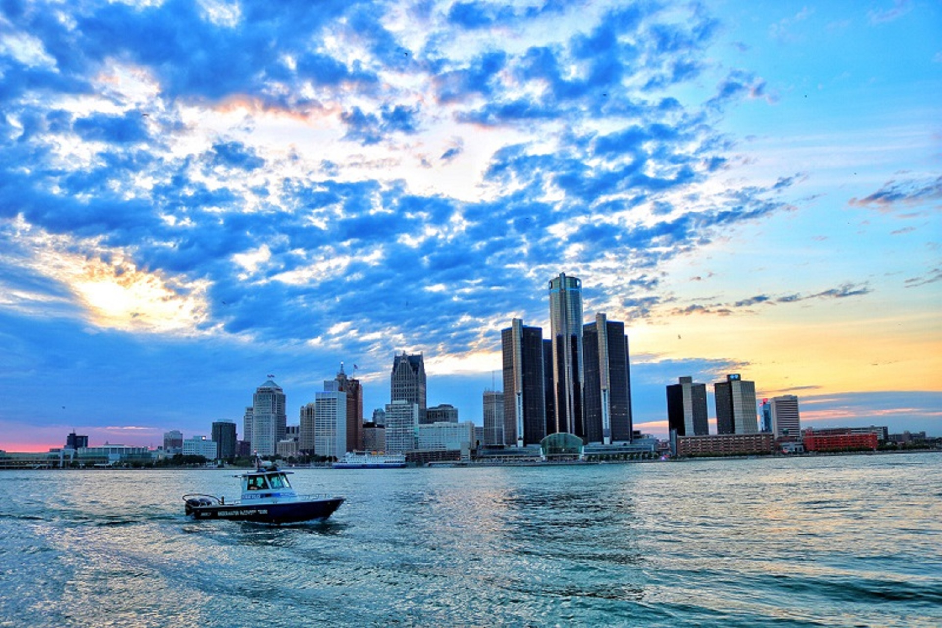 Cool-Things-to-do-in-Detroit