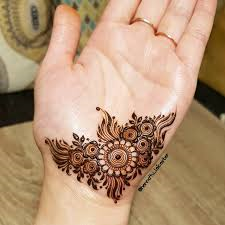 Temporary mehandi design on palm