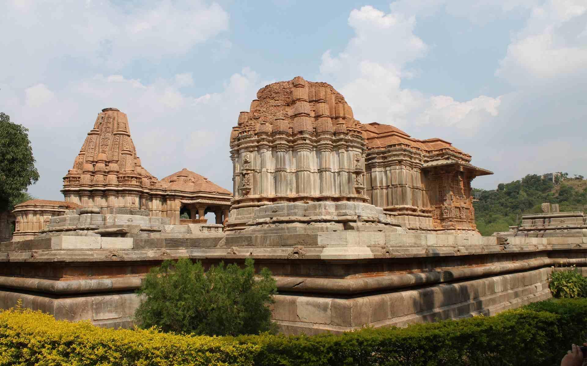 Saas-Bahu Temple
