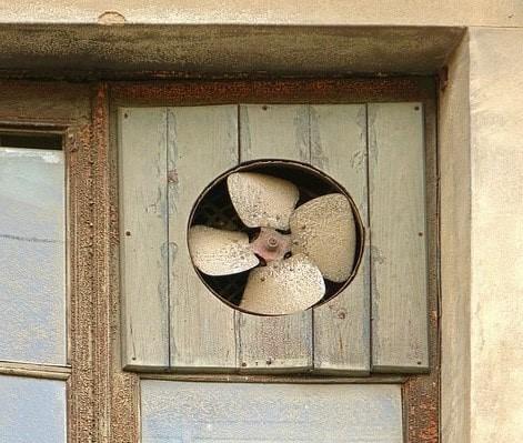 Fit small window fan