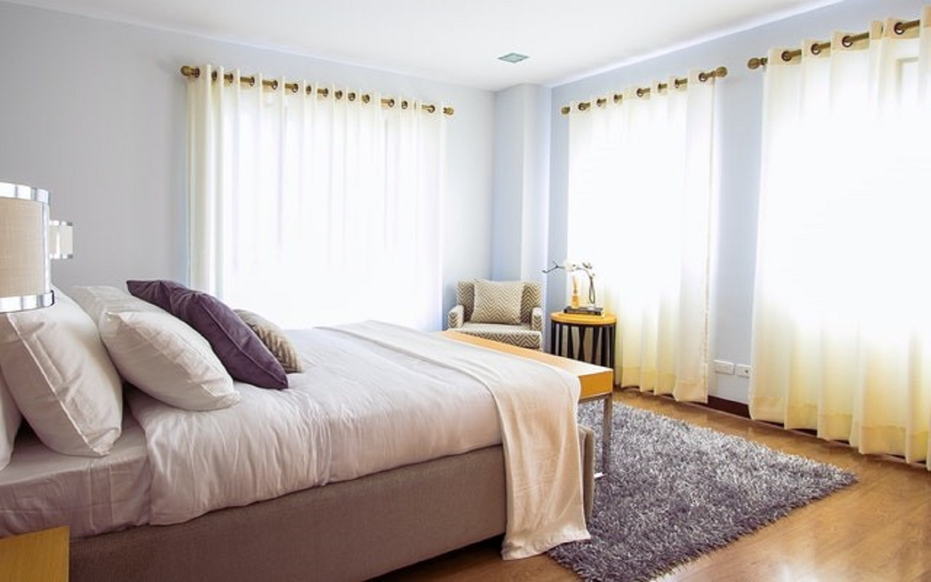 keep your room cool in summer