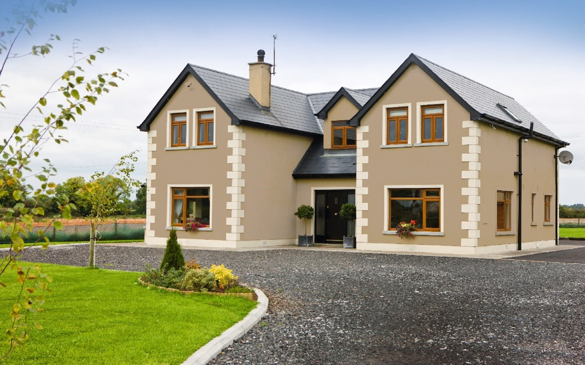 The Advantages of Getting a House Insurance through an ...